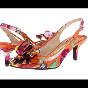 J Renee Multicolored Slingback Shoes With Bow
